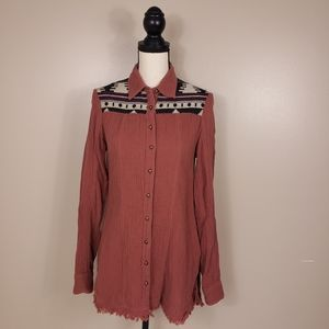 BKE Dusty Pink Southwest Embroidered Button Down
